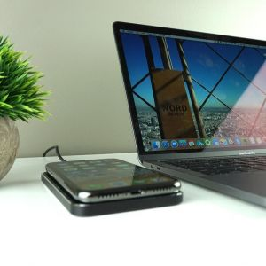 Беспроводное зарядное устройство FuseChicken Gravity Touch Premium Wireless Charging Leather Black (WGC)