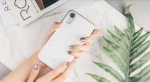 Чехол для iPhone XR Moshi iGlaze Slim Hardshell Case Pearl White (99MO113101)
