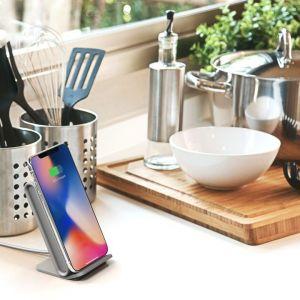 Беспроводное зарядное устройство с функцией подставки iOttie iON Wireless Fast Charging Stand Grey (CHWRIO104GREU)